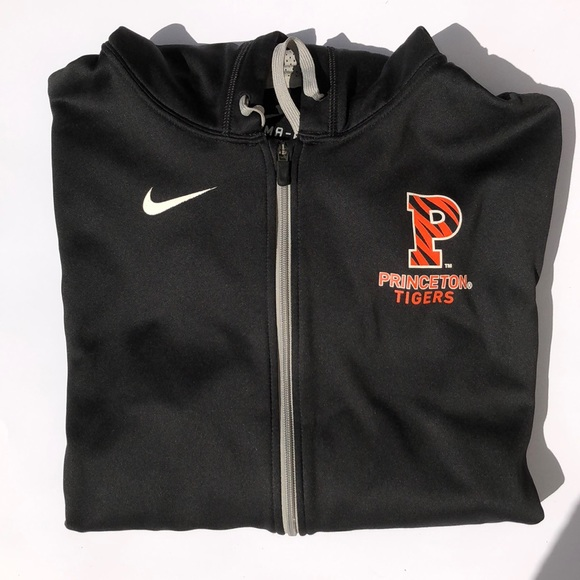 ece5d2799228 Nike Therma Fit sweatshirt with hoodie XXL. M 5a92ff7650687ce71ee7f65a